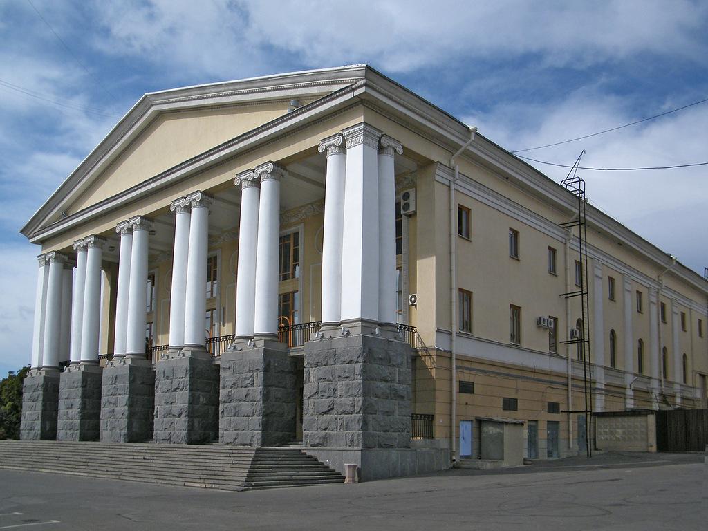volgpgrad_muz-teatr_02