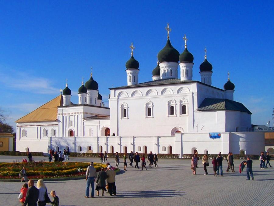astrahansky-kreml_troickiy-sobor_04