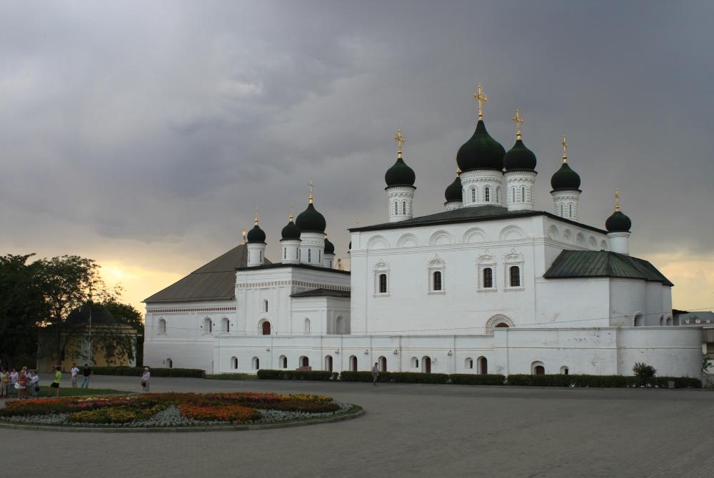 astrahansky-kreml_troickiy-sobor_05