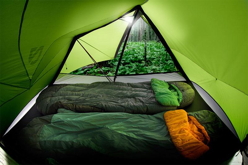 палатки и спальные мешки в рыбалке и туризм