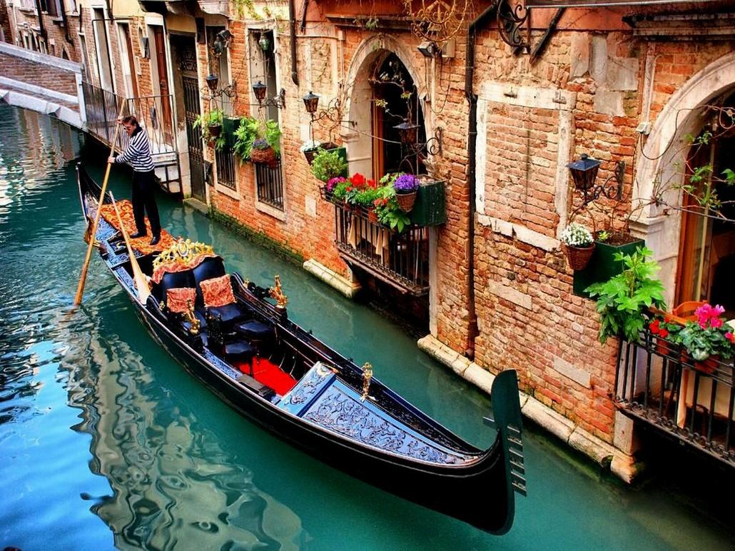 Каналы Венеции, гондолы