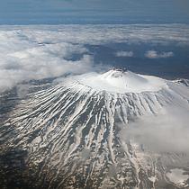 Вулкан Тятя. Курильские острова