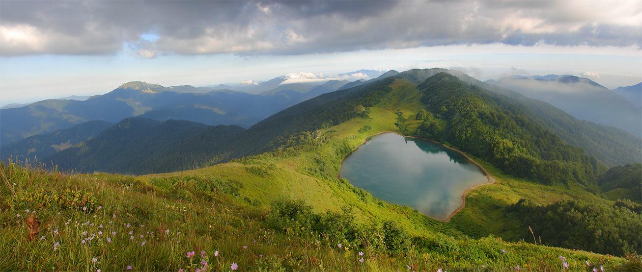 Горное озеро Хуко.