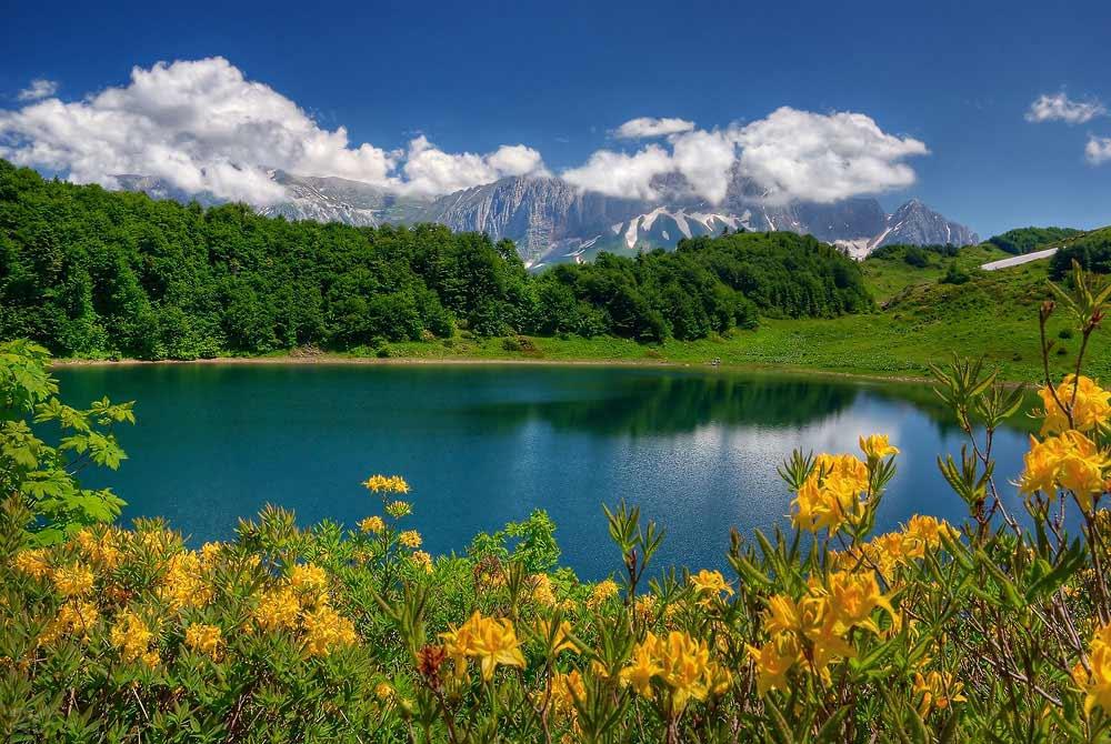 Гора Фишт и озеро Хуко