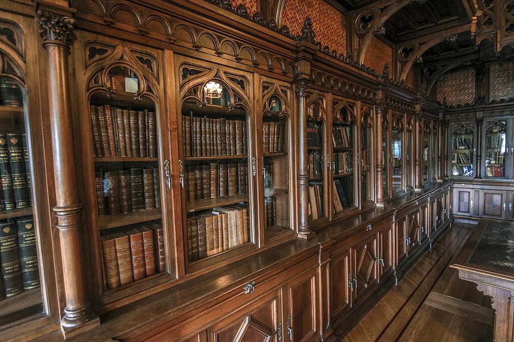 Эрмитаж. Библиотека Николая II