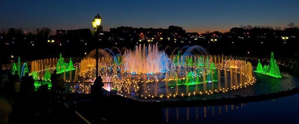 Танцующий фонтан. Царицыно, Москва.