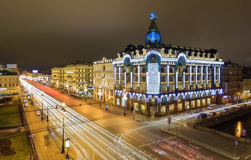 Здание АО «Зингер и К°» (Дом Книги) - один из символов Санкт-Петербурга