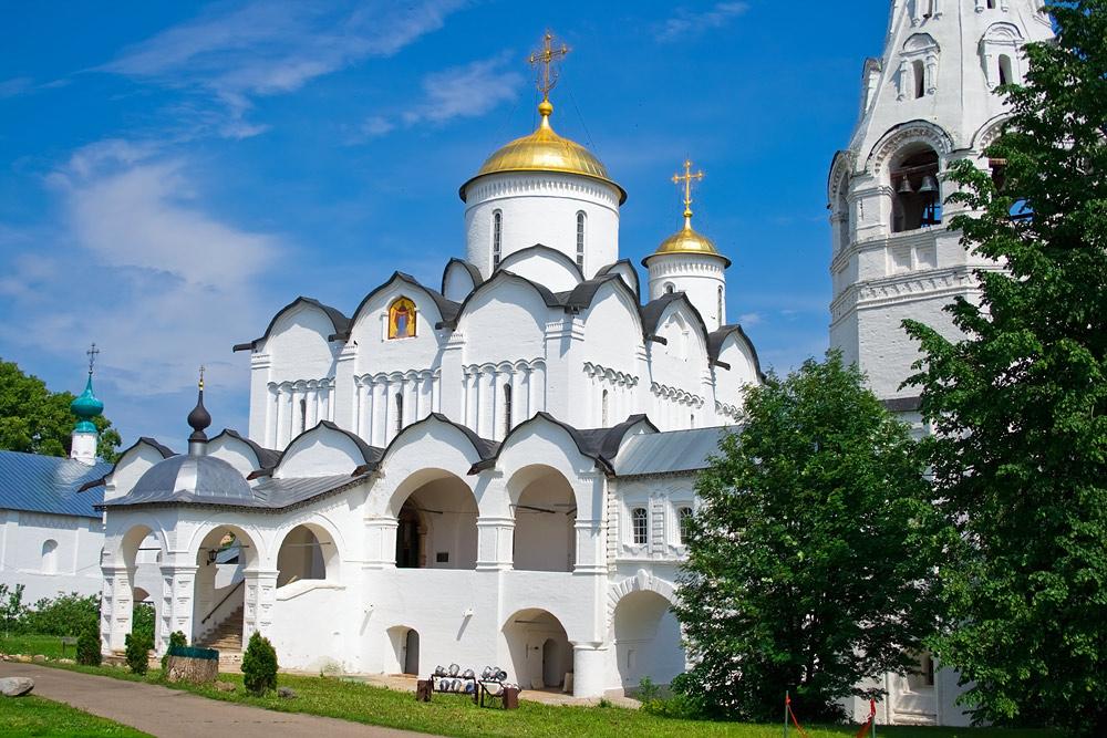 Свято-Покровский женский монастырь в Суздале.